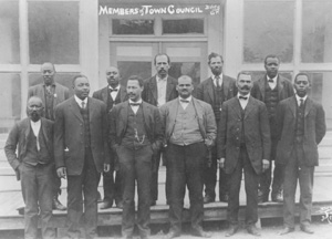 an introduction to the history of african americans Hist-209: african-american history: 1877 to present (3) this course provides an overview and introduction to the history of empires, nations, and states in the eurasian plain, from the origins of rus' over a thousand years ago to the present day.