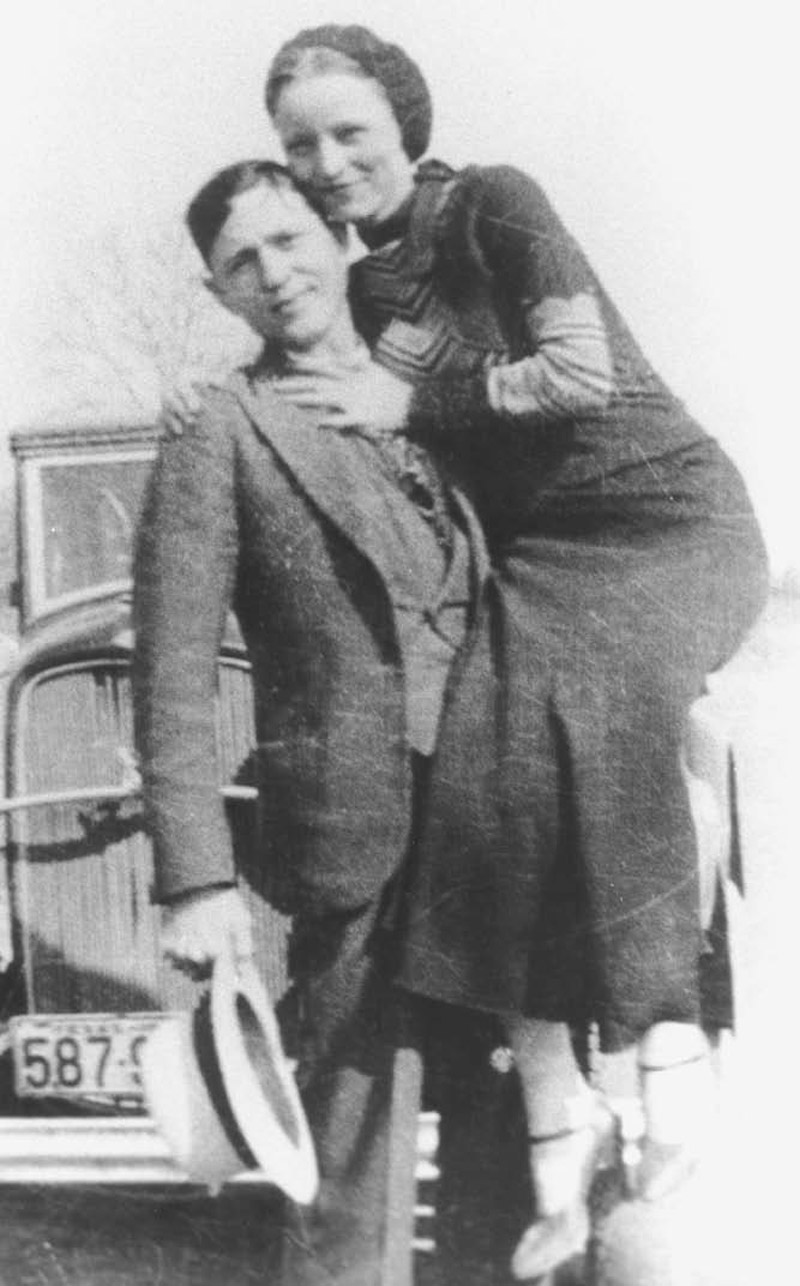 Bonnie And Clyde Real Pictures >> Encyclopedia of the Great Plains | BONNIE AND CLYDE